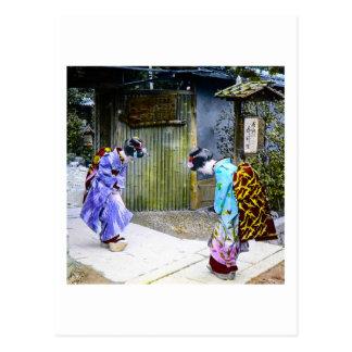 Cartão Postal Cumprimentos da gueixa no vintage Japão velho da