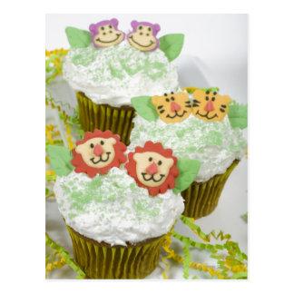 Cartão Postal Cupcakes. animais do partido do safari