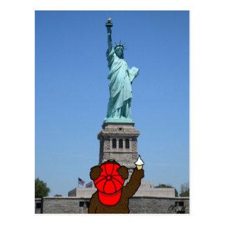 """Cartão Postal Da """"cartão de NY do urso liberdade"""""""