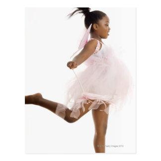Cartão Postal Dança da menina no traje feericamente