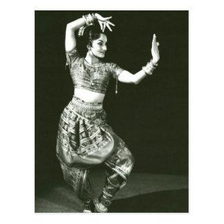 Cartão Postal Dançarino indiano clássico do vintage