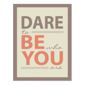 Cartão Postal Desafio moderno das citações da inspiração a ser