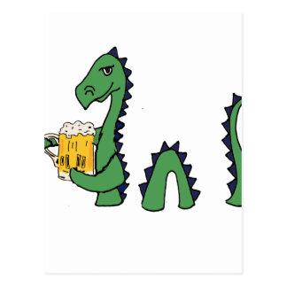 Cartão Postal Desenhos animados engraçados da cerveja do bebendo