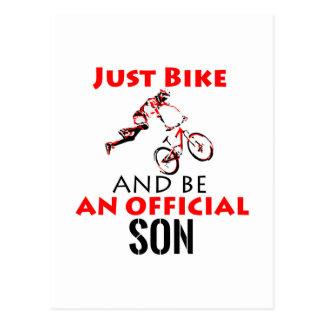 Cartão Postal design legal da bicicleta do monthain
