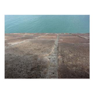 Cartão Postal Deslizamento no mar azul