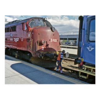 Cartão Postal Diesel de NOHAB quando acoplado na frente do trem