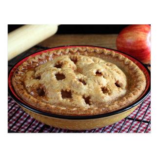 Cartão Postal Dirija a torta de maçã cozida na cremalheira