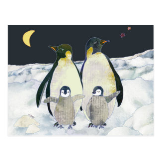Cartão Postal Divertimento da família do pinguim