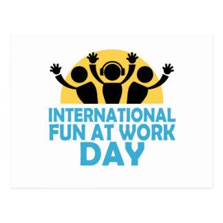 Cartão Postal Divertimento internacional no dia do trabalho -