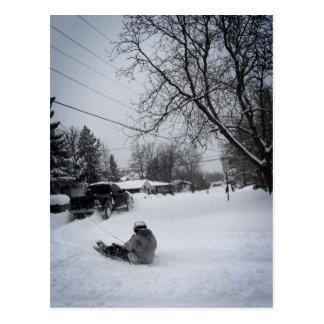 Cartão Postal divertimento snowtubing do inverno