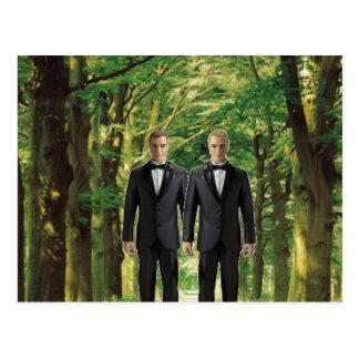 Cartão Postal Dois noivos na floresta