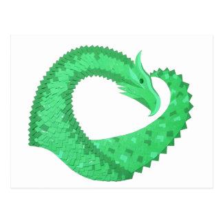 Cartão Postal Dragão verde do coração no branco