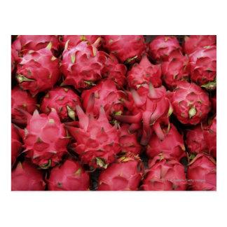 Cartão Postal Dragonfruit cor-de-rosa empilhado junto