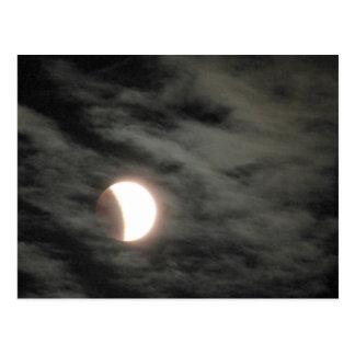 Cartão Postal Eclipse lunar com nuvens