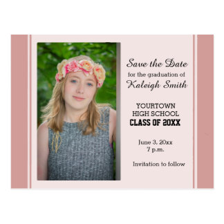 Cartão Postal Economias cor-de-rosa da graduação da foto o