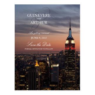 Cartão Postal Economias do casamento do por do sol de Manhattan
