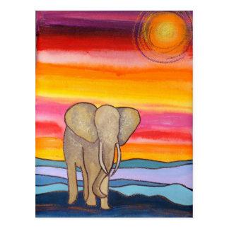 Cartão Postal Elefante no por do sol em África (K. Turnbull