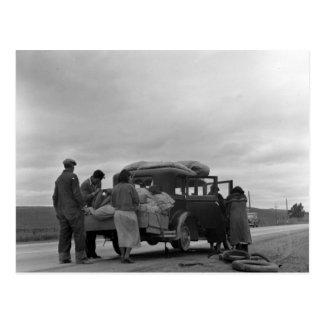 Cartão Postal Emigrantes em 1936 com problemas do pneu