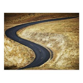 Cartão Postal Enrolamento vazio estrada pavimentada