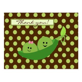 Cartão Postal Ervilhas dos gêmeos em um obrigado do chá de