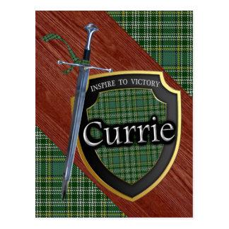 Cartão Postal Espada & protetor do Tartan de Currie do clã