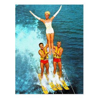 Cartão Postal Esquiadores retros da água dos Dells das mulheres