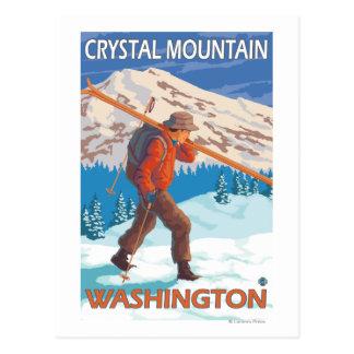 Cartão Postal Esquis da neve do carregando do esquiador -