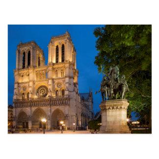 Cartão Postal Estátua de Charlemagne abaixo do façade dianteiro