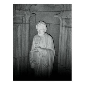 Cartão Postal Estátua em uma foto encontrada