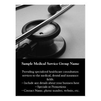 Cartão Postal Estetoscópio médico, preto e branco