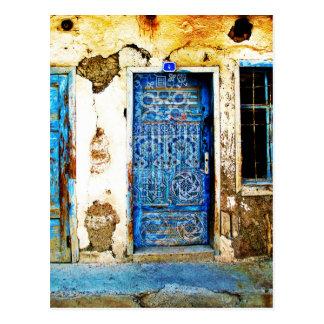 Cartão Postal Estilo rústico da porta grega azul do vintage