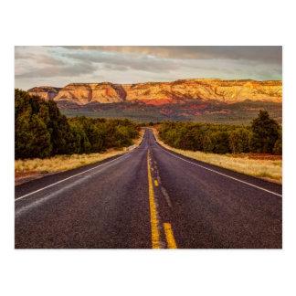 Cartão Postal Estrada a aventurar-se