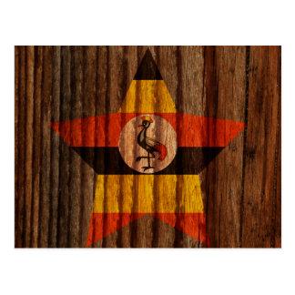 Cartão Postal Estrela da bandeira de Uganda no tema de madeira