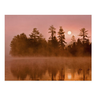 Cartão Postal EUA, New York, parque de Adirondack. Nascer do sol