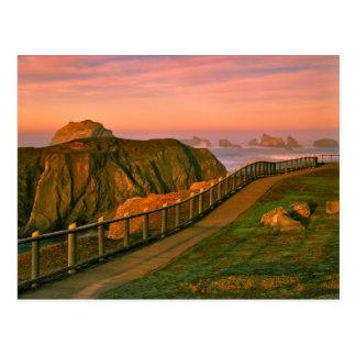Cartão Postal EUA, Oregon, Bandon. Rochas vistas da fuga