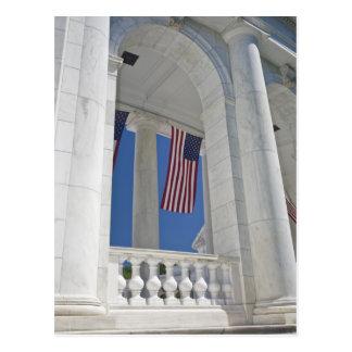 Cartão Postal EUA, VA, Arlington. As bandeiras americanas são