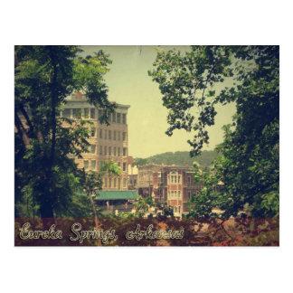 Cartão Postal Eureka Springs do centro Arkansas através das