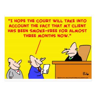 Cartão Postal experimentação de fumo do juiz
