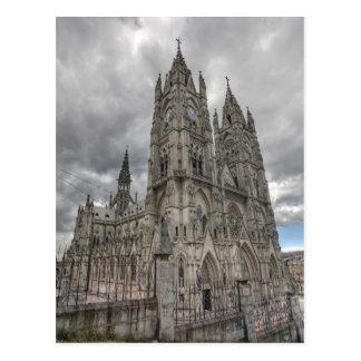 Cartão Postal Exterior da basílica em Quito, Equador