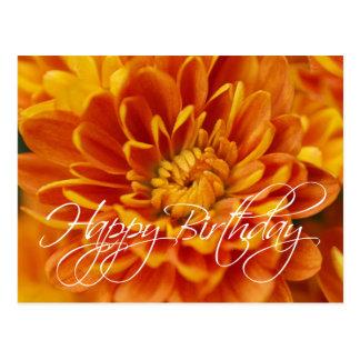 Cartão Postal Feliz aniversario do crisântemo alaranjado