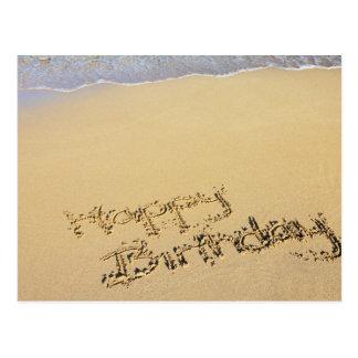 Cartão Postal Feliz aniversario na areia