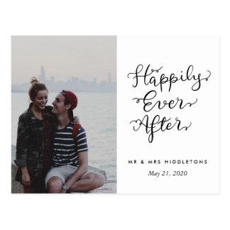 Cartão Postal Feliz nunca após a foto do casamento do roteiro de