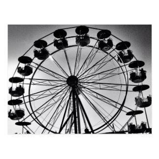 Cartão Postal Ferris roda dentro presentes preto e branco da