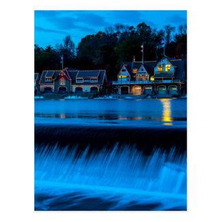 Cartão Postal Fileira do Boathouse de Philadelphfia no por do