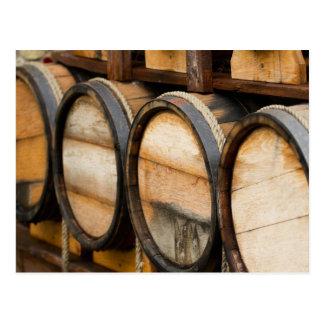Cartão Postal Fileira do tambor de vinho