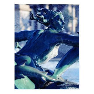 Cartão Postal Fim-acima da escultura da fonte em Trafalgar