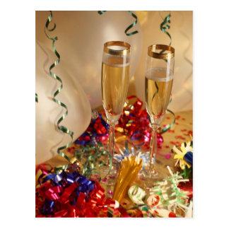 Cartão Postal Flautas de Champagne, flâmulas e noisemakers