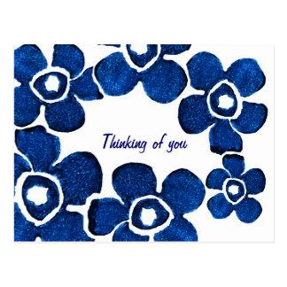 Cartão Postal Flores azuis bonito que pensam de você