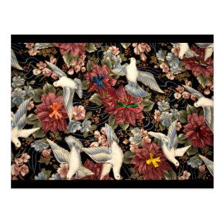 Cartão Postal Flores e pombas decorativas