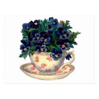 Cartão Postal Flores em uma arte do vintage do Teacup